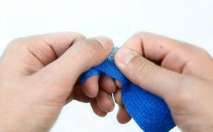 gramm-medical-innovationen-schnellverband-fingerverband-anwendung-schritt-03